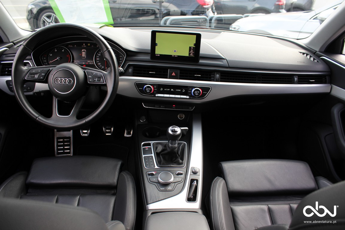 AUDI - A4 AVANT 2.0 TDI 150 SLINE